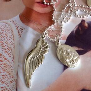 Flügel und Madonna mit Kind an Kugelkette Silber