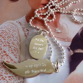Engelsflügel und Madonna, Silber graviert
